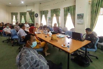 Ketum MUI Riau Pimpin Raker Bagi Staf Sekretariat